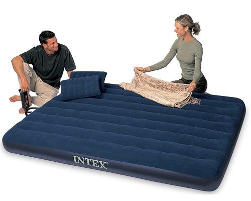 Colchón hinchable doble Intex con almohadas e hinchador barato, colchones hinchables baratos, chollos en colchones hinchables