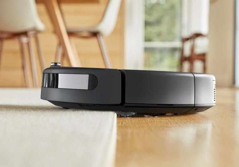 ¡TOMA CHOLLO! Robot aspirador iRobot Roomba 692 WiFi solo 179 euros. Precio mínimo histórico con 55% de descuento.