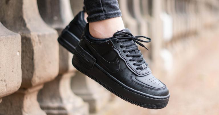 ¡TOMA CHOLLO! Zapatillas Nike Air Force 1 Shadow para mujer solo 29,90 euros. 73% de descuento.