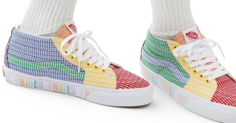 ¡TOMA CHOLLO! Zapatillas Vans Pride SK8-MID solo 39,95 euros. 56% de descuento.